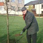 Grahame Morris digging